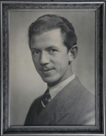 Oddmund Kristiansen som ung. Fotografiet henger i barndomshjemmet.