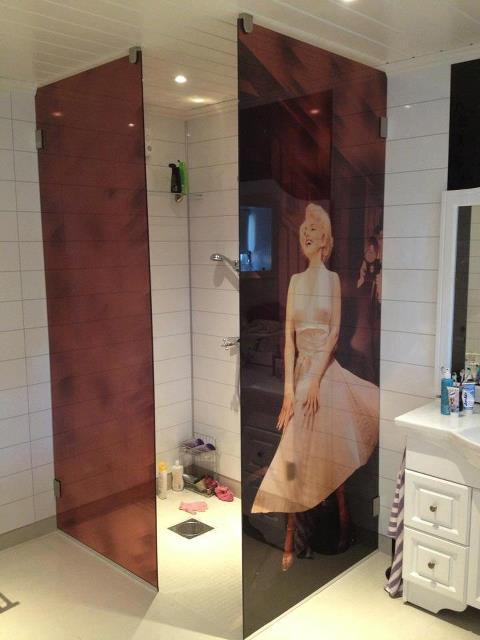 Kunne du ønske deg å ha med Marilyn Monroe i dusjen?