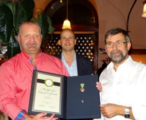 Kjell Arne Johnssen ble tildelt Medaljen for lang og tro tjeneste for 30 år hos Svein Boasson AS