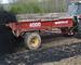 Traktor sprer biokull - klimatiltak i landbruket