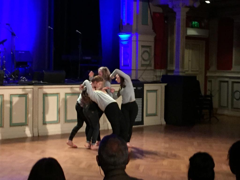 Moderne dans.jpg