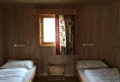 bungalow bedroom2 640x400