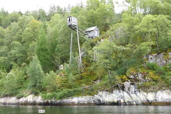 Laksegiljer Askildneset i Osterfjorden.