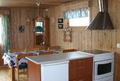 3 bedroom cabin kitchen_640x425