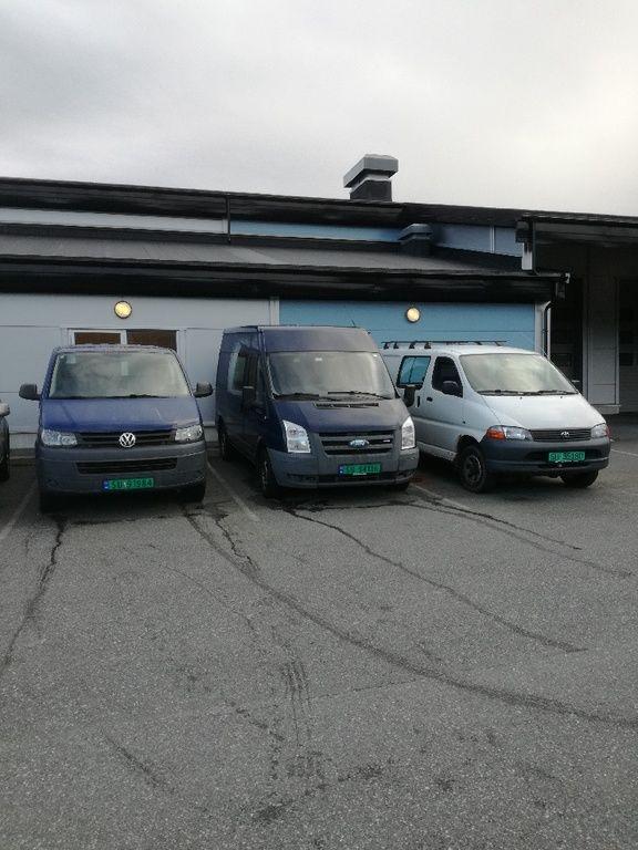 Varebilar: Toyota Hiace 2006 – Ford Transit 2007  - VW Transporter 2010