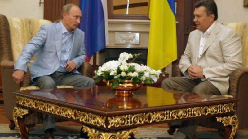 Putin and Yanukovich July 2010