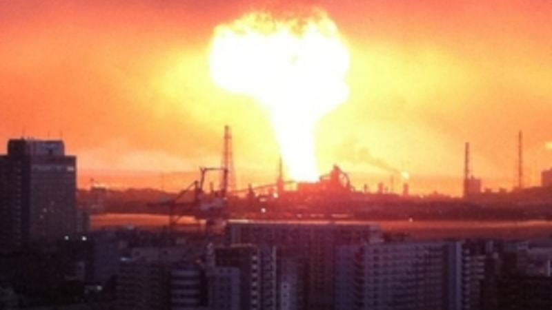Refinery_explosion,_Japan_2011_earthquake_300x214