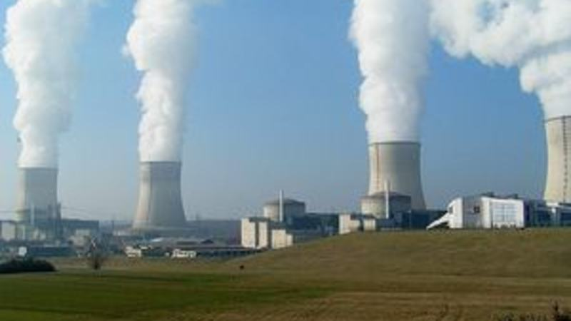 640px-Nuclear_Power_Plant_Cattenom_300x225