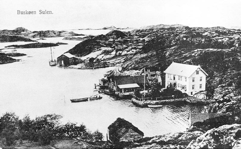 Postkort sendt som julehelsing frå Jenny Færøvik til Bergit Færøy i 1913. Foto: Jan Hess. SFFf-1989063.0001