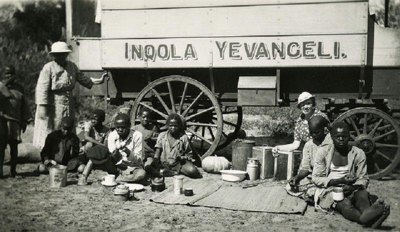 Malla Moe reiste rundt og misjonerte med The gospel wagon. Foto: ukjend.