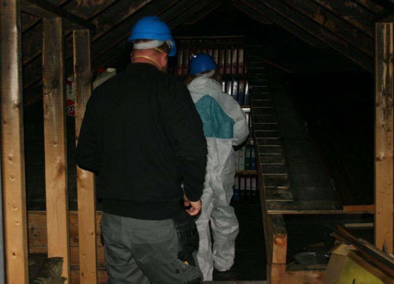 Arkivleiar og skadestadsleiar under inspeksjonen saman med Fylkesarkivet.Fotograf: Arnt Ola Fidjestøl