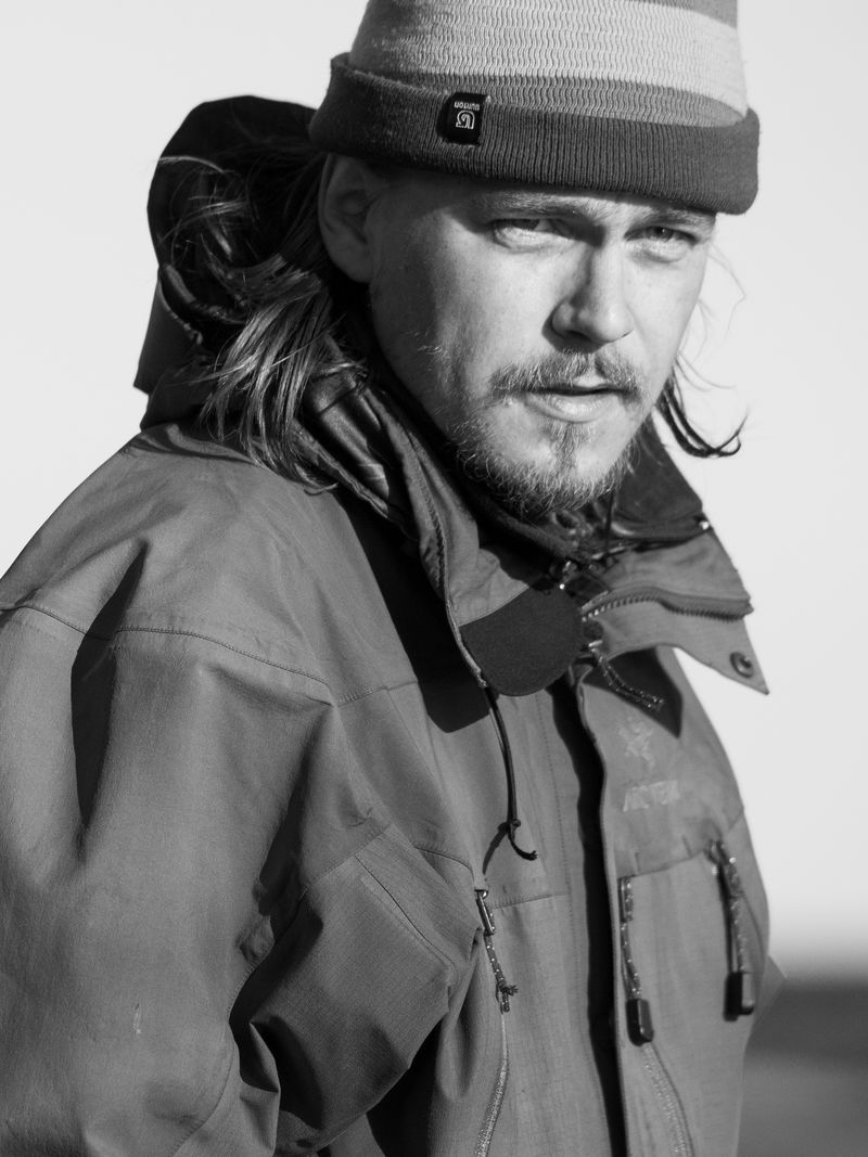 Antti Haataja stående
