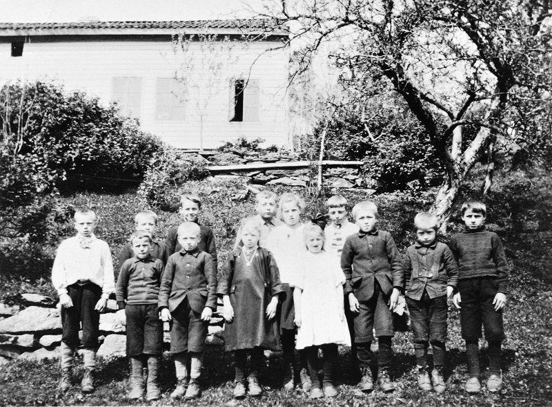 Sørefjord skule ca. 1924..jpg