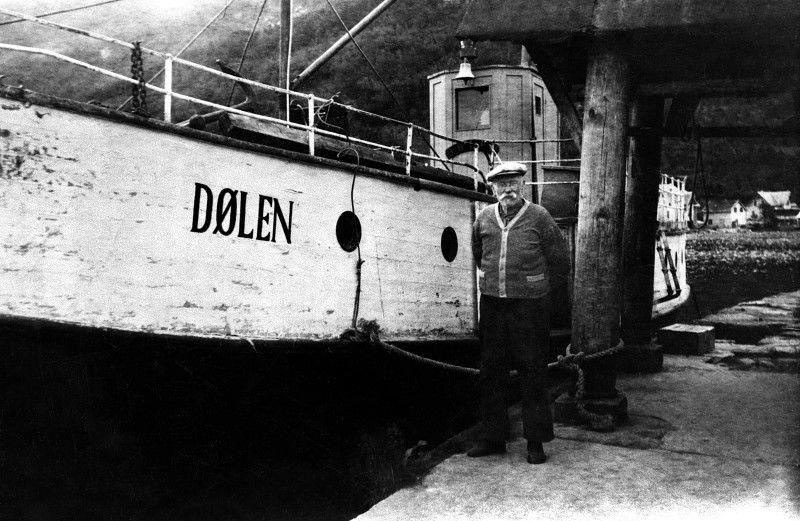 Dølen og maskinist Per R. Lødemel 1946. Fotograf: Lodøen Bjarne, Fylkesarkivet i Sogn og Fjordane