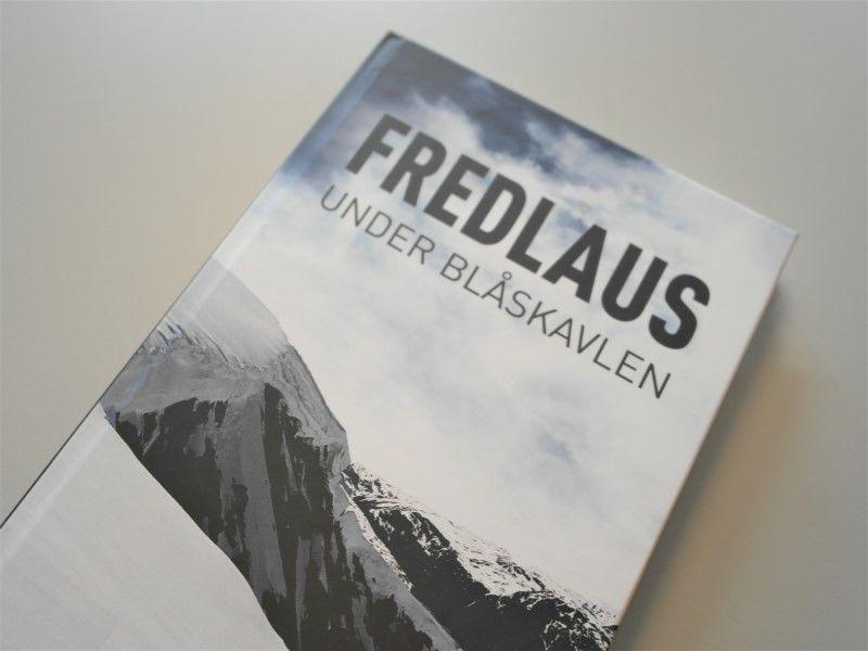 Fredlaus under blåskavlen av Haakon Skjerdal