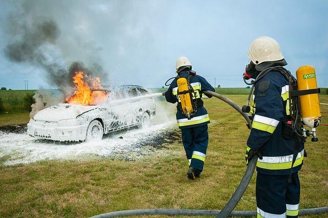 Brannmenn (firefighter Pixabay.com)