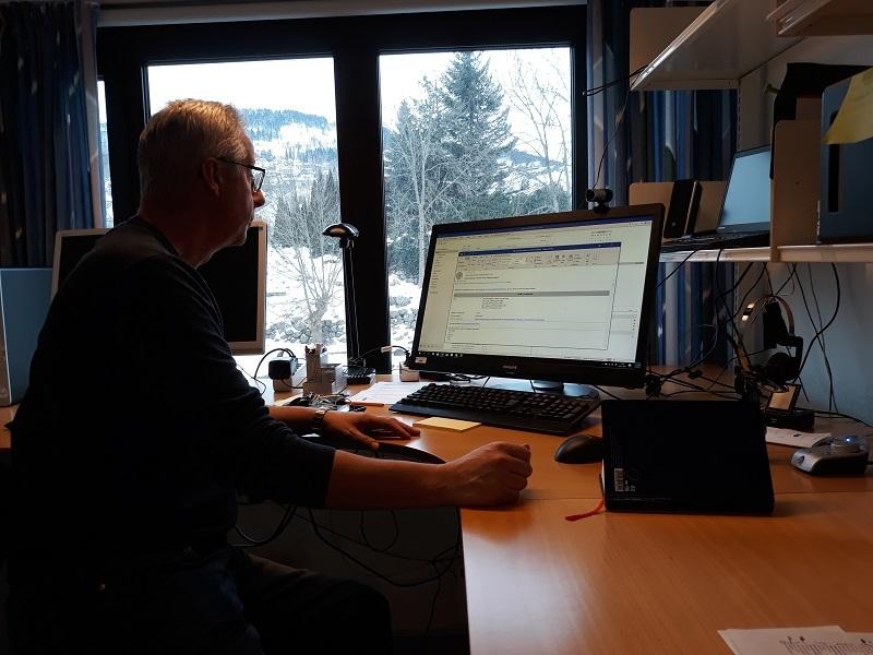 Geir Utmo, e-arkivar på fylkesarkivet sikrar elektronisk skapte arkiv