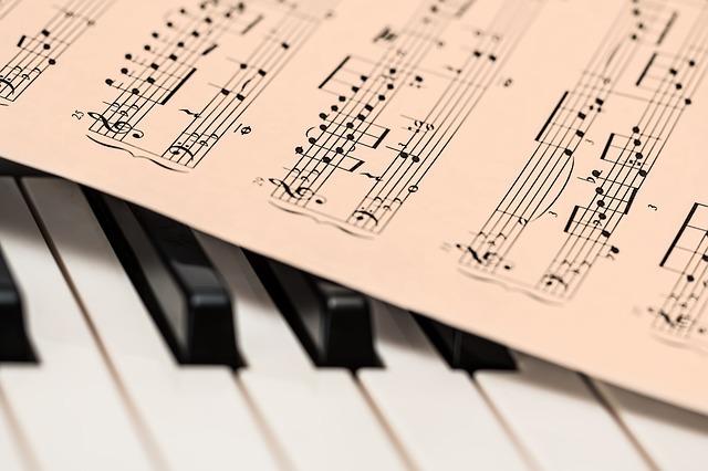 Noter og piano - pixabay