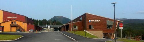 Halsa barne- og ungdomskole
