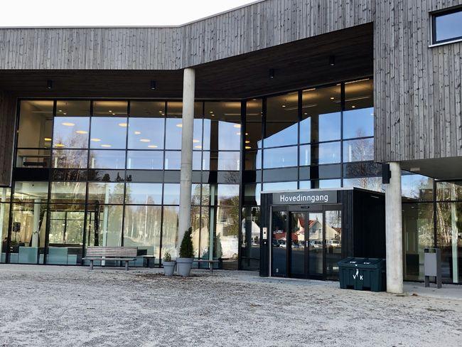 Vestby ungdomsskole inngang