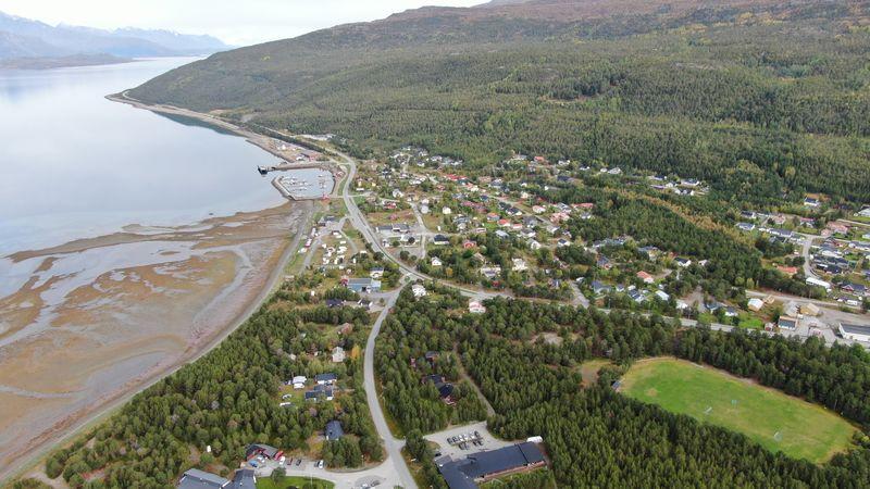 Skibotn fra Gammelveien mot nord, dronefoto