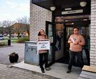 Vera og Oddmund åpner dørene til biblioteket