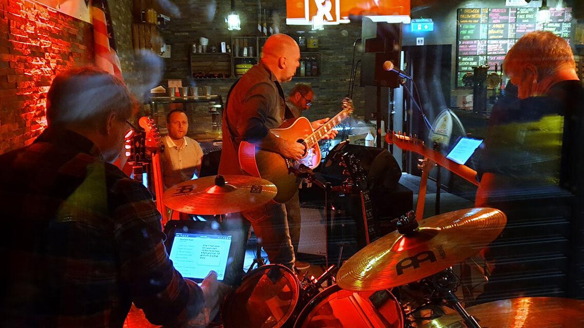 Band på scenen