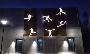 Lysfigurer på fasaden