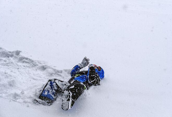Leke i snøen