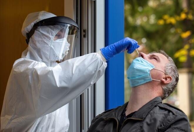Personer i prioritert gruppe kan nå henvende seg til kommunen og få gratis selvtest for koronavirus. Illustrasjonsfoto