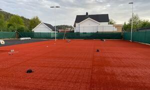 Tennisbanene kunstgressdekke2