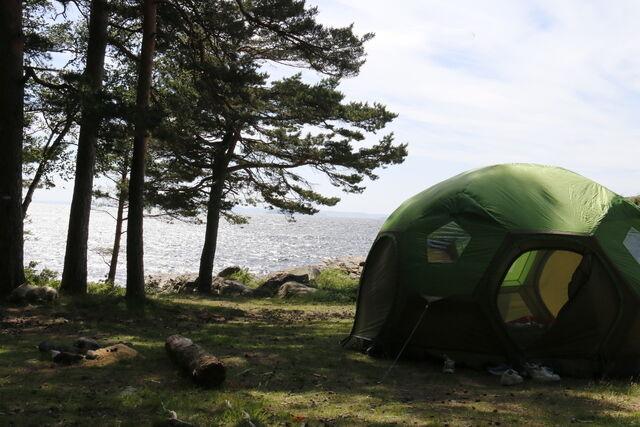 Telting langs sjøen nord for Krokstrand