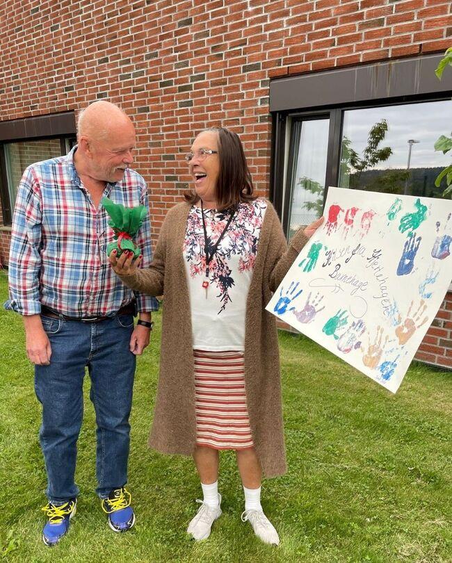 Hyggelig med plakater og gaver fra Hjertehagen barnehage Foto: Vestby sykehjem