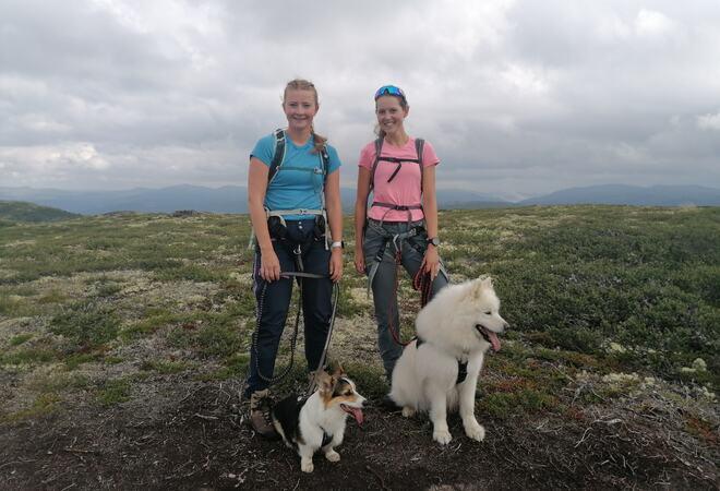 Til høgre: Tea Bech og til venstre Kristine Holter