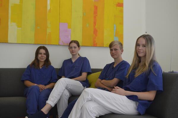 Fra venstre: Klaudia Wysocka (16), Ida Austad Karlsen (16), Jesper Kittelsen Bakken (16) og Tuva Holm (16)