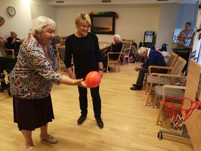 Populært med aktivitetsdag på sykehjemmet. Foto: Vestby sykehjem